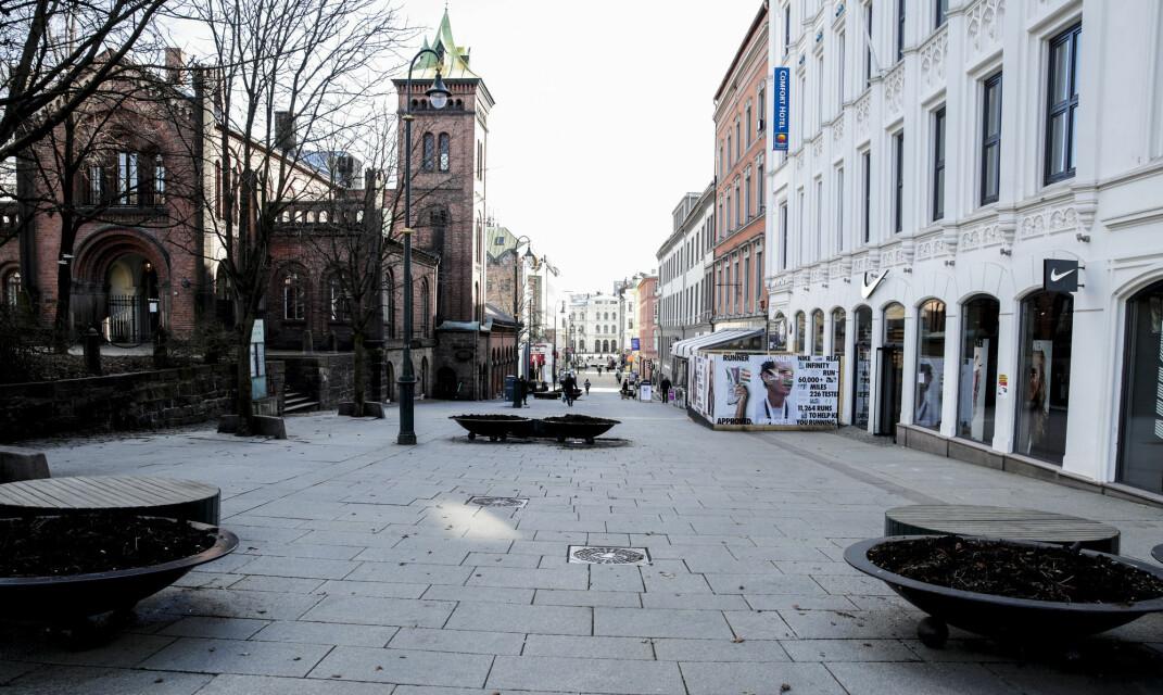 17. mars er folk tro mot dugnaden og holder seg borte fra Karl Johans gate i Oslo.