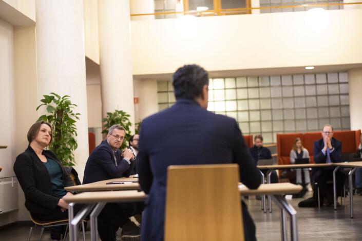 NJ-leder Hege Iren Frantzen hadde håpet på mer enn ei hjemmelekse. Hun sitter ved siden av Per Brikt Olsen fra Fagpressen.