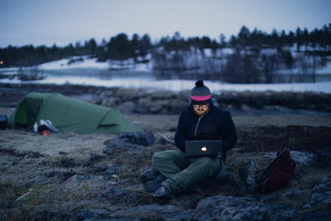 Per Christian Selmer-Anderssen (bildet) og Kyrre Lien har tilbrakt de fleste nettene i telt hittil på norgesturnéen fra nord til sør.