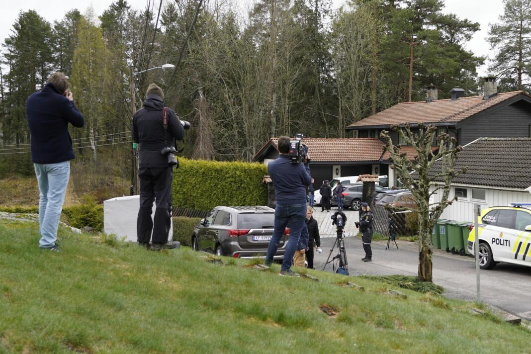 VG kom til stedet da Tom Hagen ble pågrepet og siktet for drap eller medvirkning til drap tirsdag morgen. Bildet er tatt litt senere i dag.