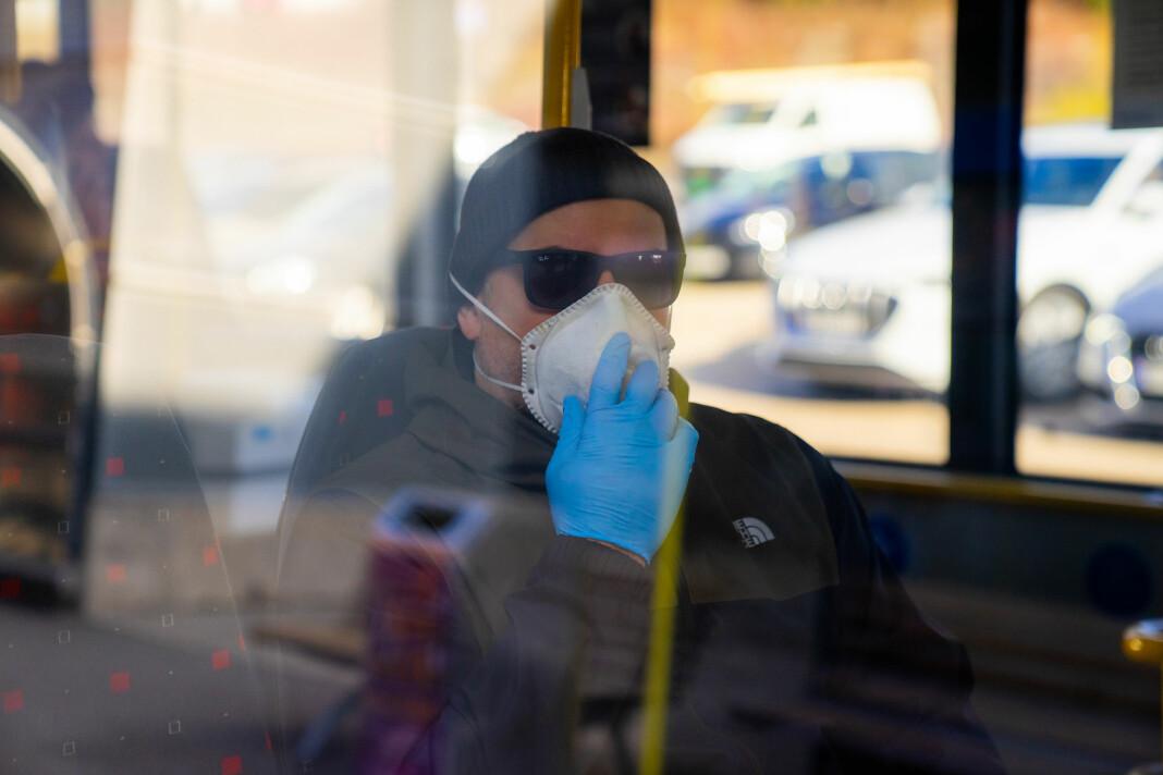– Spørsmålet om korleis smitte-spreiing skjer, har allmenn interesse i desse dagar, skriv Sigvart Østrem.
