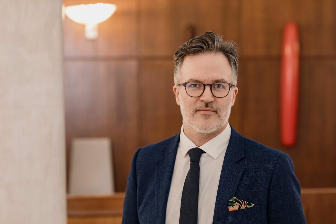 Knut Aastad Bråten har bakgrunn som blant annet journalist og redaktør. Nå gir han seg i politikken.