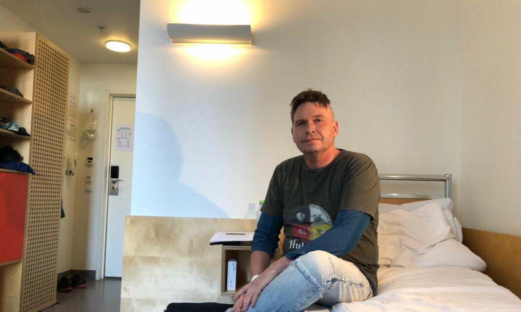 NRKs Kjartan Trana jobbet med en radiosak da ordene forsvant. Nå er han tilbake på jobb, i visshet om at han skal dø av hjernekreft