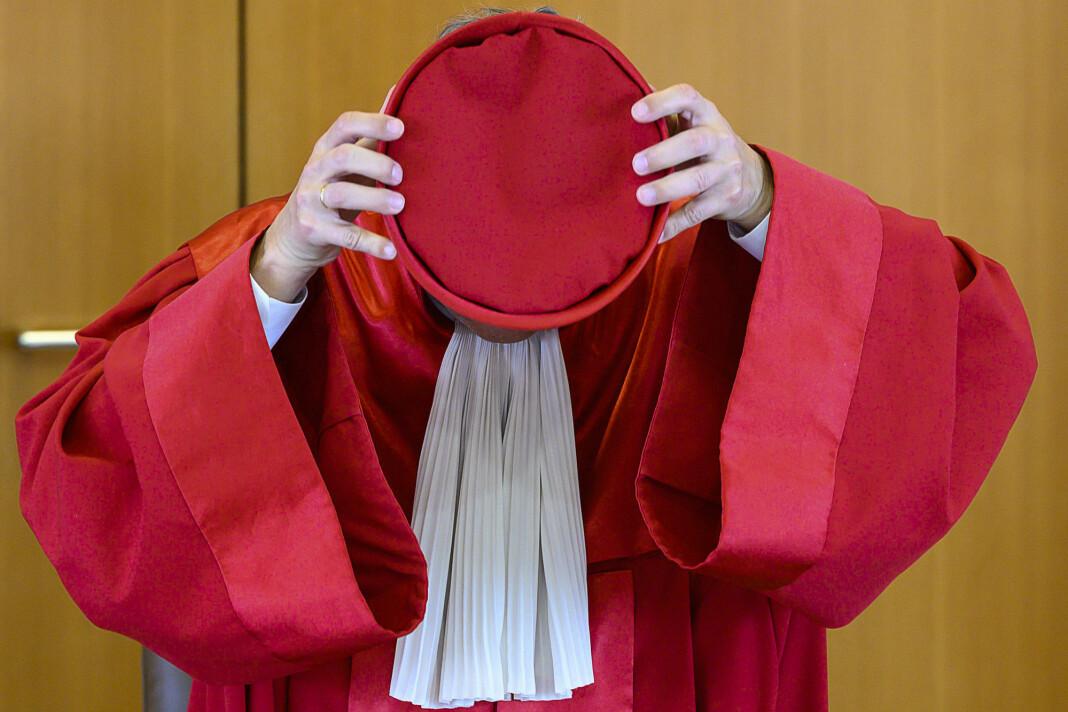 Høyesterett pålegger myndighetene å endre overvåkingsloven.