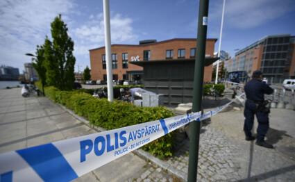 MALMÖ, SVERIGE 20200527.  Politiet har sperret av et område rundt den svenske TV-stasjonen SVTs lokaler i Malmö, etter funn av en mistenkelig gjenstand. Foto: Johan Nilsson/TT / NTB scanpix