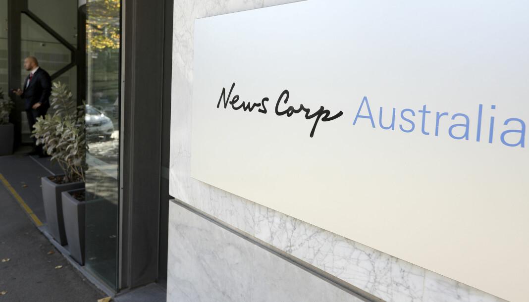 Rupert Murdochs News Corp legger ned over 100 papiraviser i Australia.