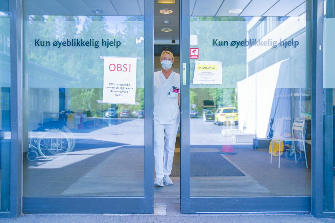 Norske medier har skrevet 410.000 saker om koronaviruset i 2020.