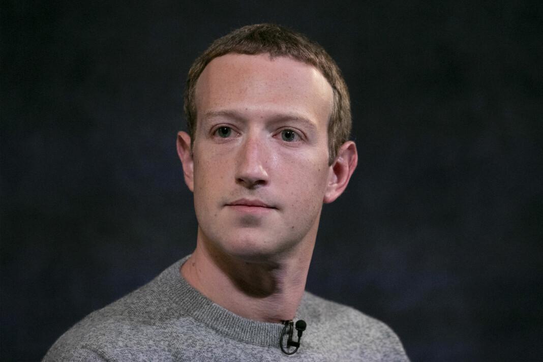 Facebooks administrerende direktør Mark Zuckerberg blir bedt om å endre holdning til hva plattformen lar passere.