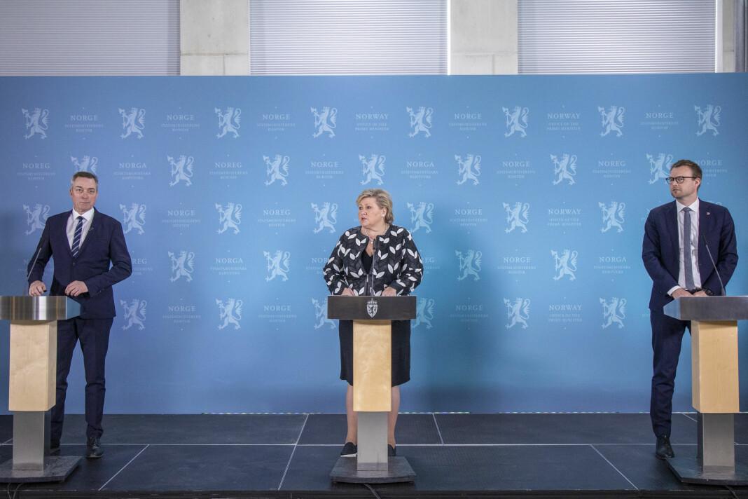 Forsvarsminister Frank Bakke-Jensen (H), statsminister Erna Solberg (H) og barne- og familieminister og KrF-leder Kjell Ingolf Ropstad la fram regjeringens forslag til ny etterretningslov i april.