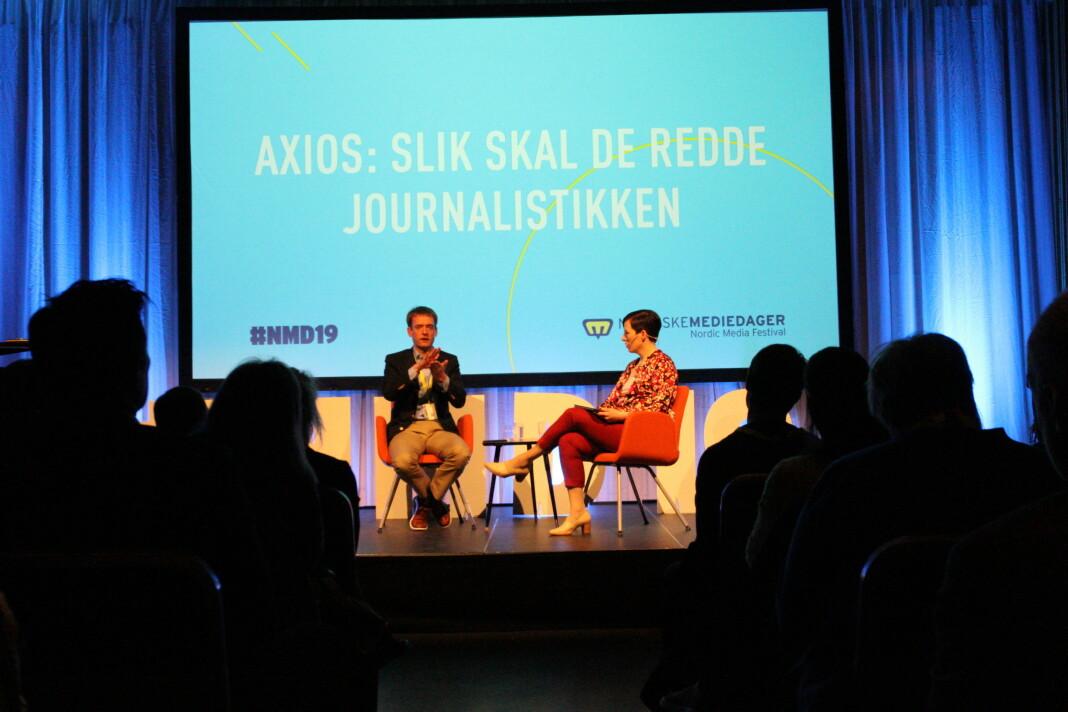Axios' sjefredaktør Nicholas Johnston i samtale med DNs Ingeborg Volan under Nordiske Mediedager 2019.