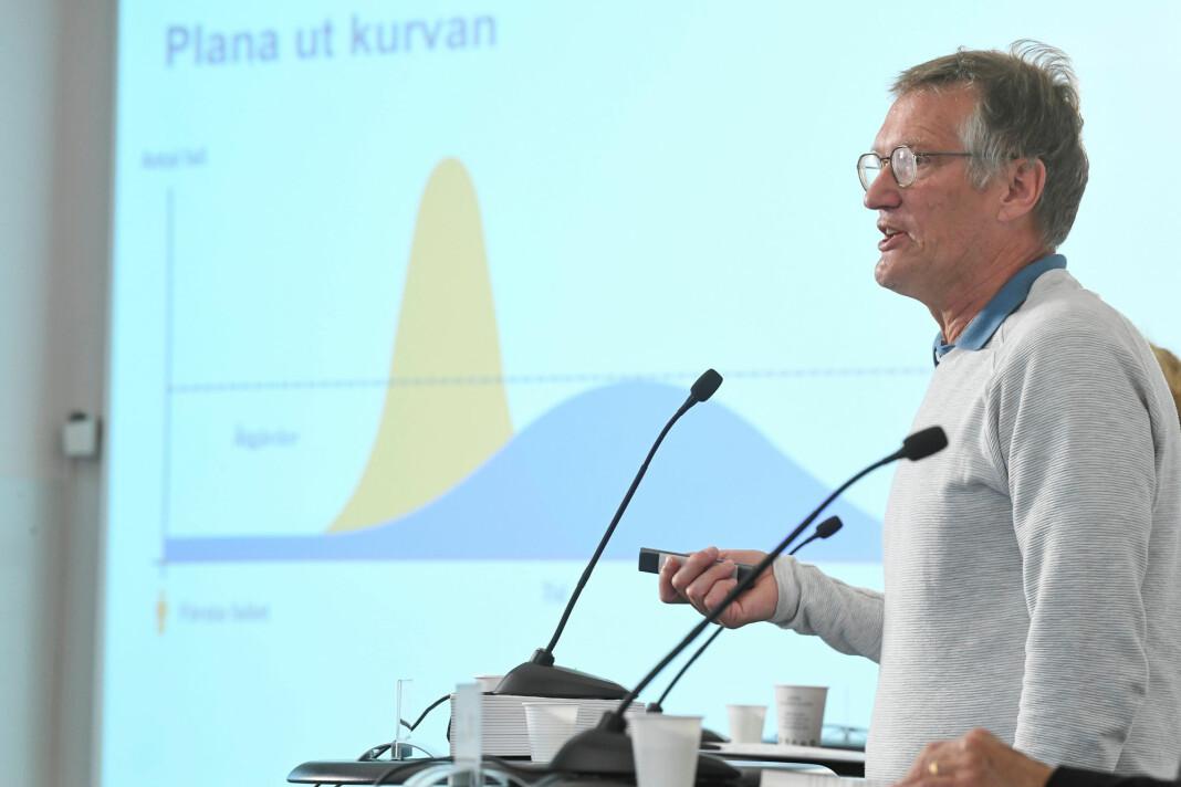 Svenskene kutter ned på antall pressekonferanser med Fredrik Sandberg og Folkhälsmyndigheten.