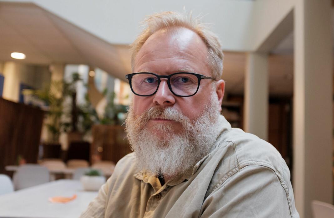 Det rareste Ivar Kvistum har opplevd på jobb: – Jeg satt en gang midt på natten i en hotellobby og intervjuet en hotelldirektør om hvordan han opplevde å se hotellet sitt brenne. Mens hotellet brant noen etasjer over oss.
