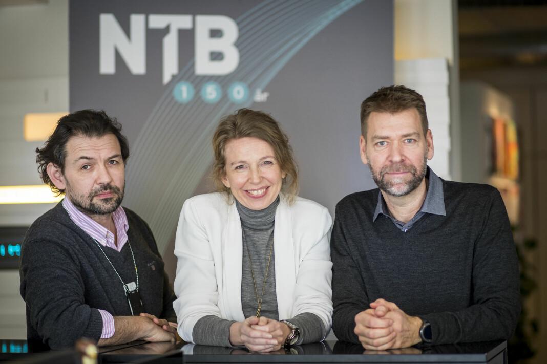Ledelsen for visuell kommunikasjon i NTB.  F.v.: Fotosjef Jon Eeg, redaktør og leder Christina Dorthellinger Nygaard og bildebyråsjef Joakim Per-E. Nilsson.