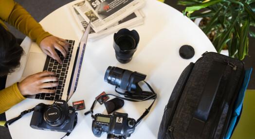 Frilansjournalisten tapte 90.000 kroner over natta da koronakrisa traff: – Jeg gjør helt andre oppdrag nå enn i starten av året