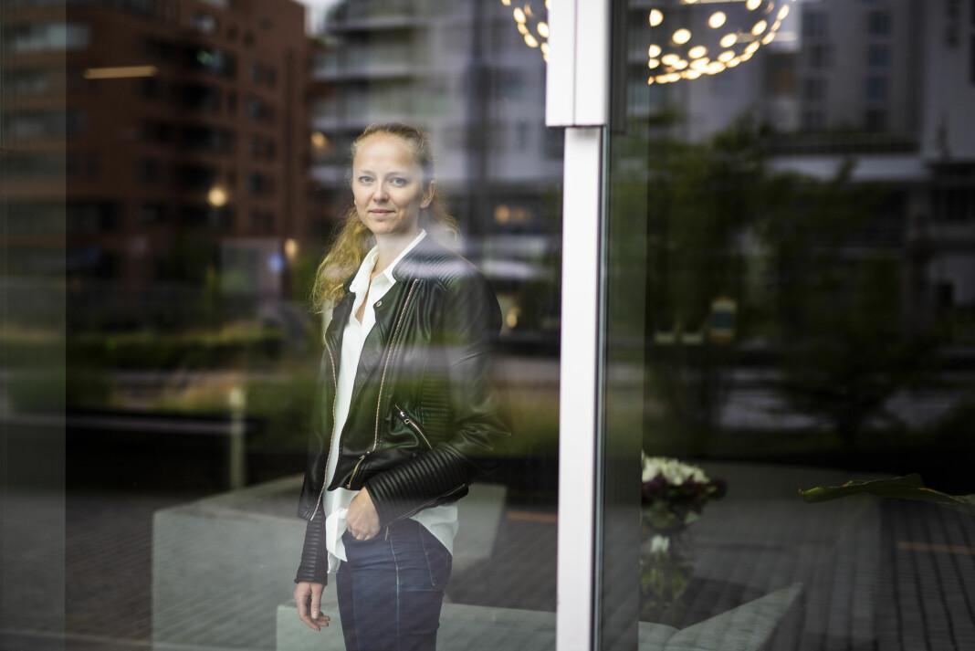 Margrethe Håland Solheim var 20 år og sommervikar i Ringerikes Blad da terroren kom tett på lokalavisas dekningsområde. – Jeg er ikke redd for å tilnærme meg folk i krise nå, sier TV 2-journalisten om erfaringene hun tok med seg.