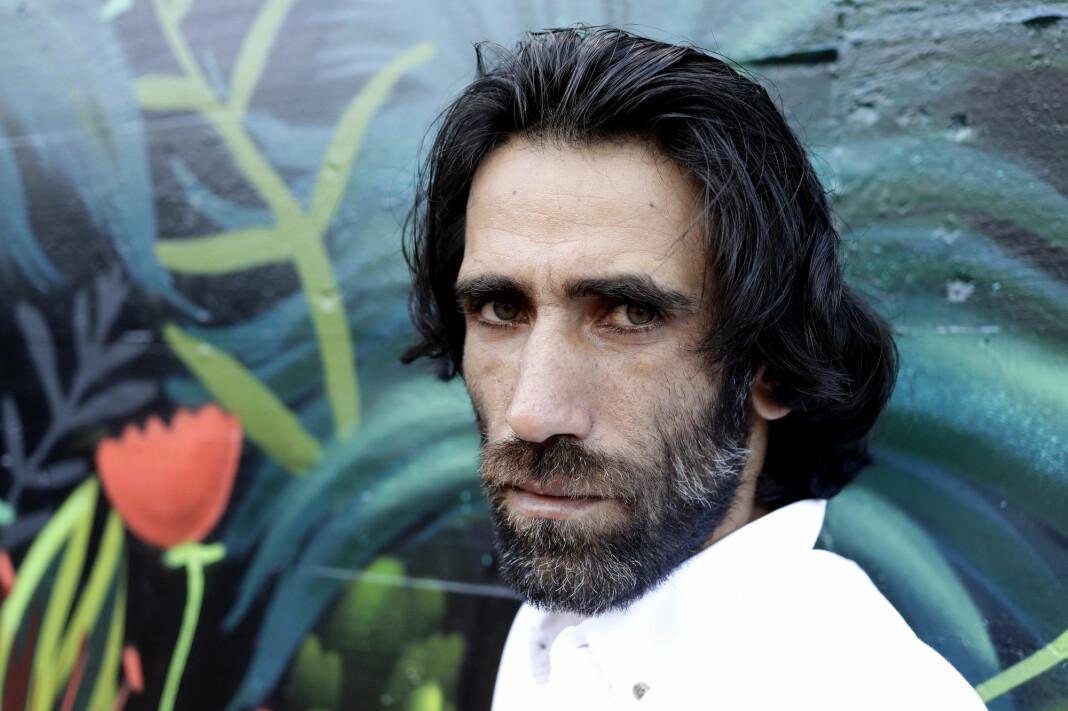 Den iranske journalisten Behrouz Boochani har fått oppholdstillatelse i New Zealand.