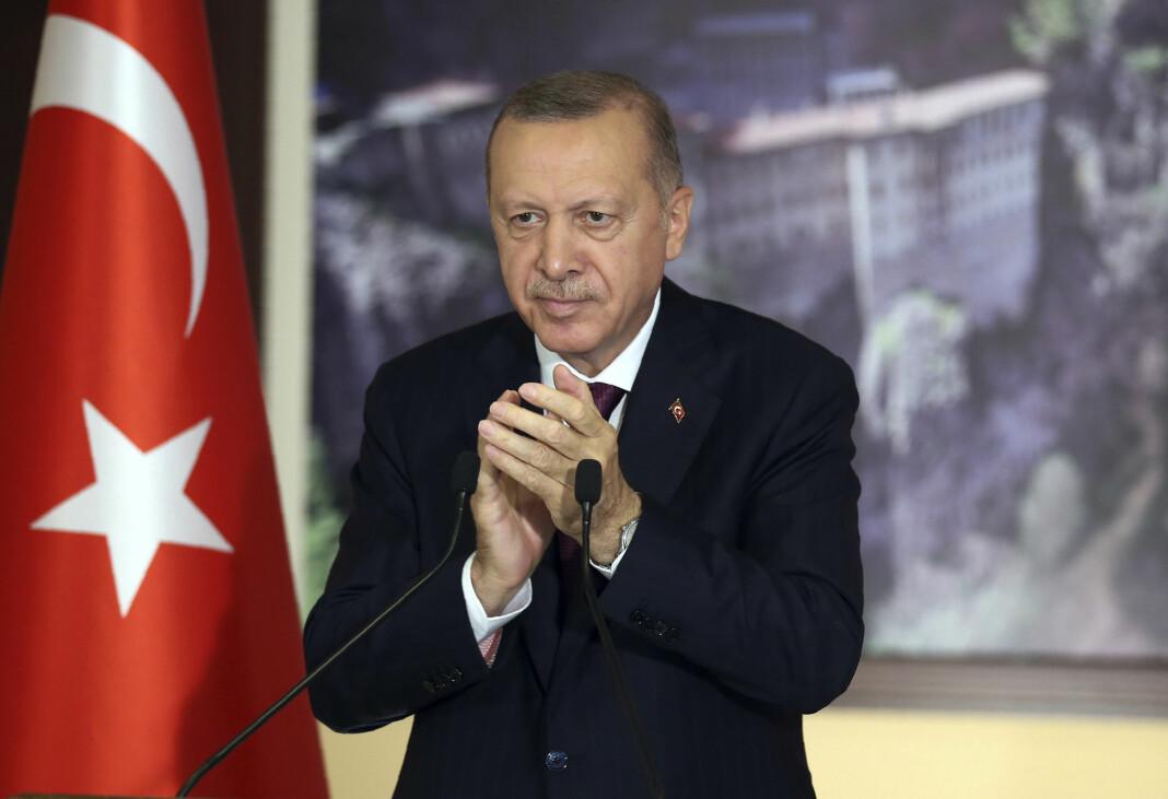 Tyrkias president Recep Tayyip Erdogan har ønsket seg strengere kontroll med sosiale medier. Nå har nasjonalforsamlingen vedtatt en lov som menneskerettsaktivister mener truer ytringsfriheten.
