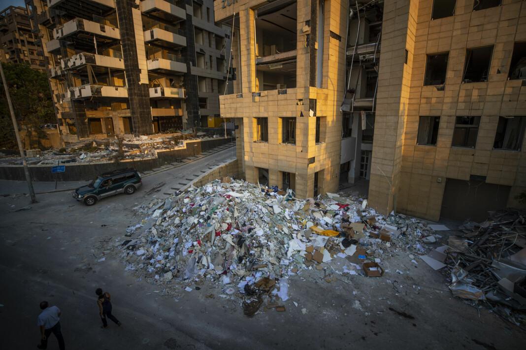 Konspirasjonsteoriene brer seg i Beirut etter eksplosjonen i forrige uke.