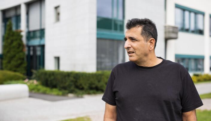 NRK-journalist Mohammed Alayoubi var på jobb i fødebyen Beirut, og skulle reise hjem til Norge dagen etter. Så smalt det