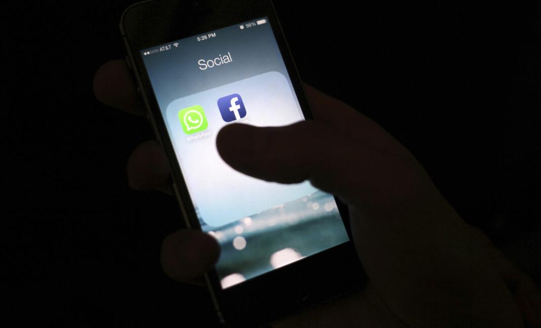 Den australske regjeringen forsøker å tvinge Facebook til å betale medier for journalistisk innhold.