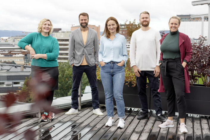 Produktteamet: Fra venstre Ingrid Indseth (produktsjef), Kåre Henriksen (produktsjef), Trine Hanche Aasen (produktsjef), Joakim Nilsen (designer) og Julie Lundgren (strategi- og produktdirektør).
