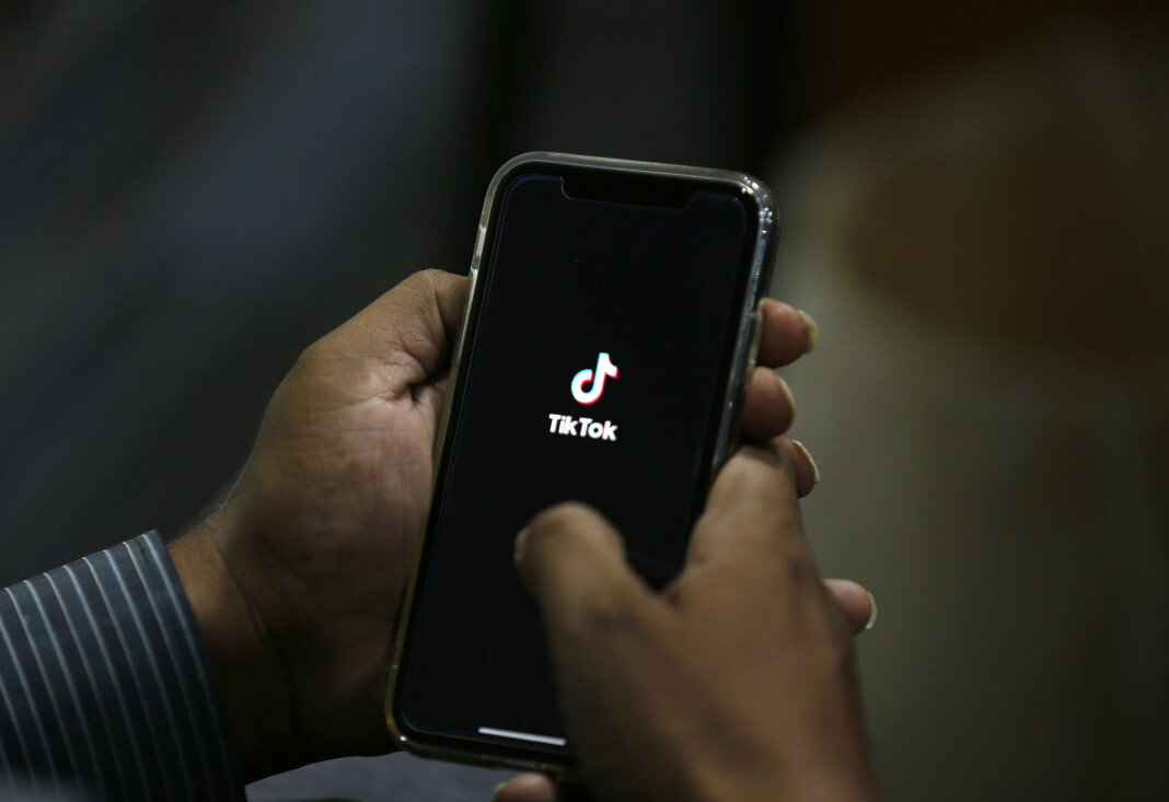 Videoappen Tiktok er populær i USA, men kan bli forbudt fra tirsdag dersom ikke den amerikanske virksomheten blir solgt til et amerikansk selskap innen den tid.