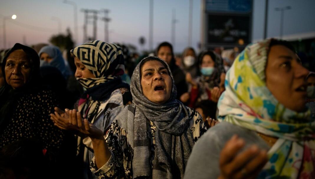 I forrige uke brant Moria-leiren på den greske øya Lesvos ned. 13 000 mennesker sto da uten et sted å bo. Disse kvinnene står like ved en ny midlertidig leir på øya.