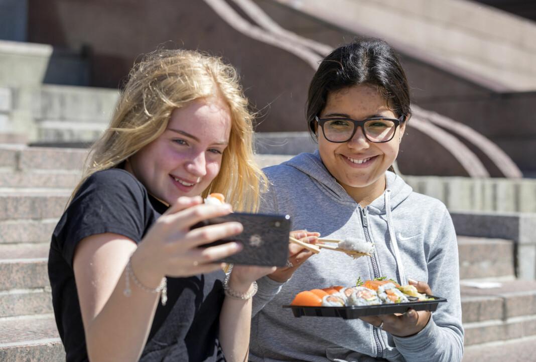 44 prosent av barna mellom 9 og 18 år som bruker sosiale medier, sier de bruker mest norsk i sosiale medier.