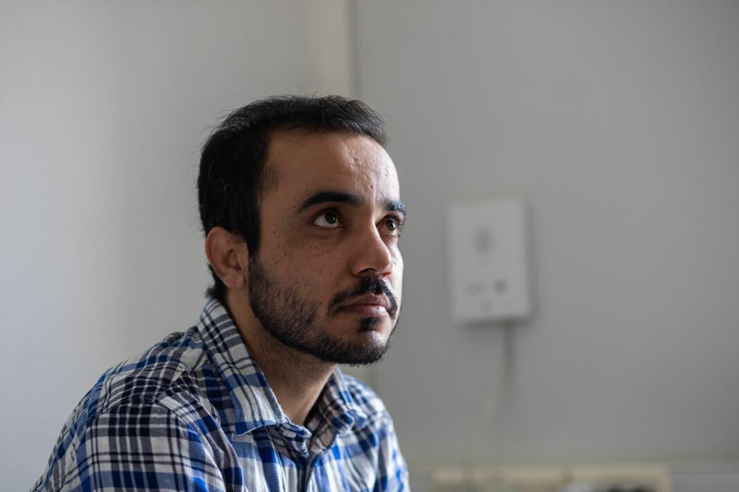 – Jeg er en harmløs person, jeg har ingen pistol, tanks eller helikopter. Jeg har bare pennen min, som de er redde for, sier Kiyya Baloch til Journalisten.
