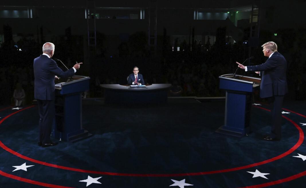President Donald Trump og tidligere visepresident Joe Biden barket tirsdag sammen i en kaotisk debatt i Cleveland, ledet av Fox News-journalit Chris Wallace.