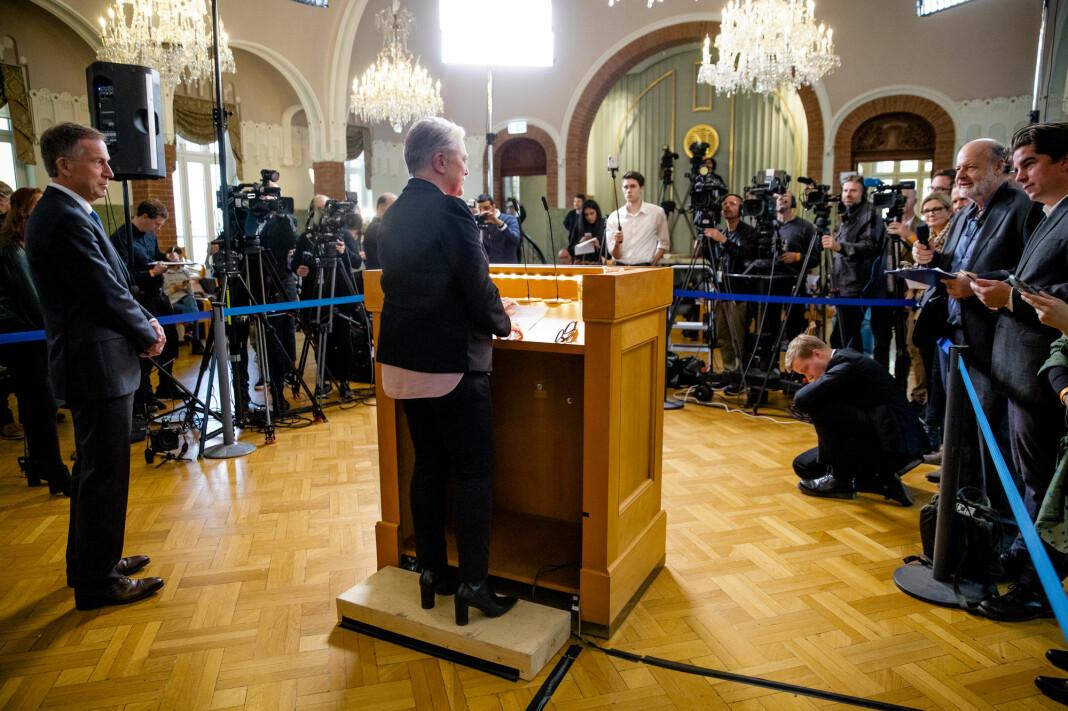 Berit Reiss-Andersen, leder av Nobelkomiteen, og sekretær Olav Njølstad kunngjør at Nobels fredspris for 2019 går til Etiopias statsminister Abiy Ahmed Ali. Neste uke offentliggjøres den neste mottageren.