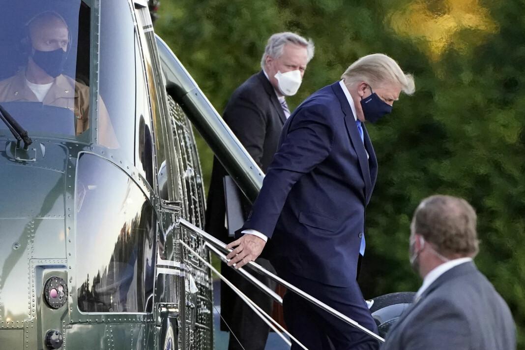 President Donald Trump ankom Walter Reed National Military Medical Center fredag.