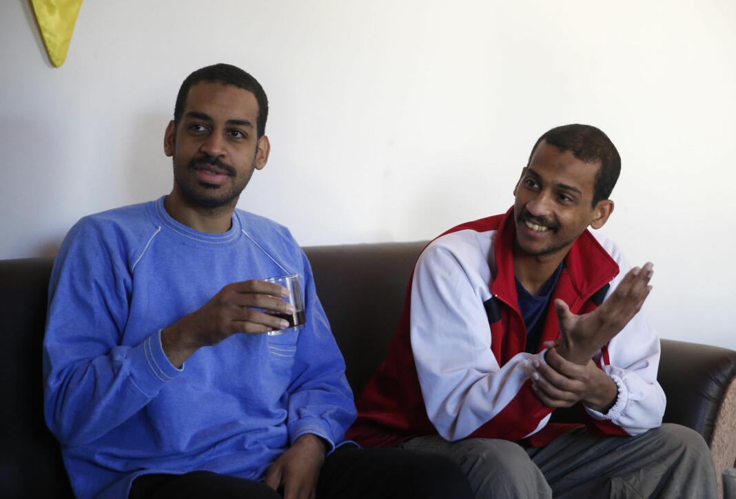 Alexanda Amon Kotey (t.v.) og El Shafee Elsheikh, som anklages å ha vært to av i alt fire medlemmer av IS-cellen «The Beatles». Her er det fotograferte under et intervju med AP etter at de ble tatt til fange.