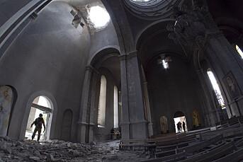 Flere journalister såret i angrep mot historisk katedral i Nagorno-Karabakh