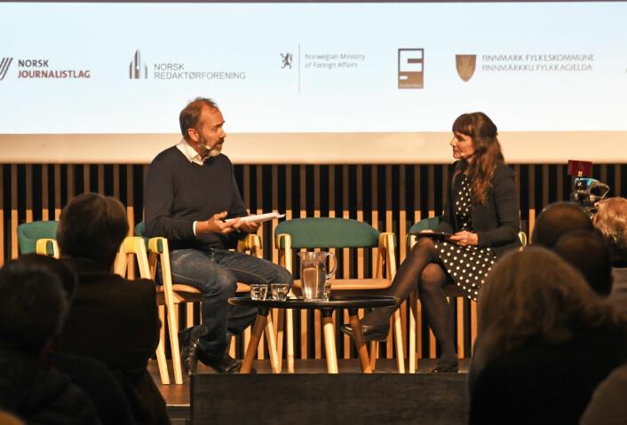Anki Gerhardsen har vært med å skrive rapporten fra Kildeutvalget. Her intervjuet hun Trond Giske om medienes metoo-dekning på mediekonferansen Svarte natta i november 2019.