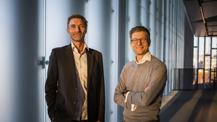 Politioverbetjent Asbjørn Rachlew og journalist Svein Tore Bergestuen er to av forfatterne bak boka Den profesjonelle samtalen. Den tredje, Geir-Egil Løken, var ikke tilstede under intervjuet.