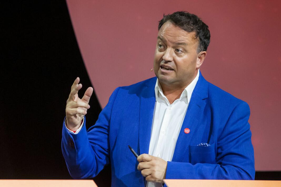 Frode Myrhol sier partiet vil offentliggjøre hvem som blir valgt til verv etter landsmøtet som blir delvis stengt for pressen.