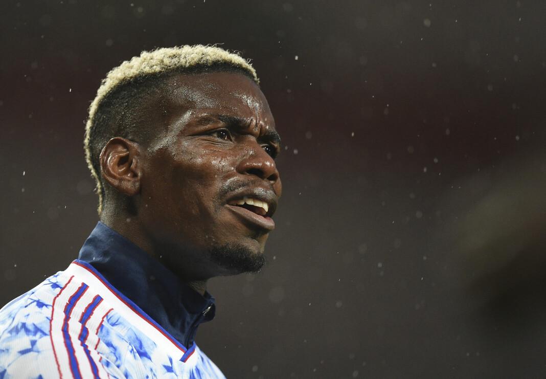 Paul Pogba går hardt ut mot avisen The Sun etter oppslag om at han ville gi seg på det franske landslaget i protest mot president Emmanuel Macron.