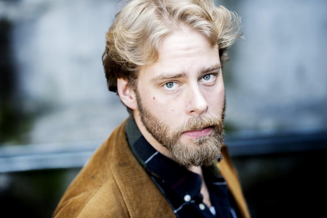 Journalist Henrik Evertsson står tiltalt i det svenske rettssystemet for brudd på gravfredsloven ved «Estonia».