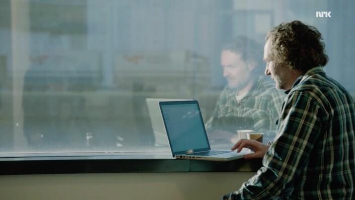 Scene fra Brennpunkt-dokumentaren som ble starten på prosjektet «Pappas siste reis».