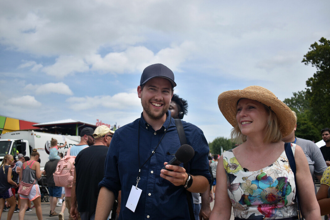 Are Tågvold Flaten driver nettsted og flere podkaster om amerikansk politikk. Her fra Iowa State Fair med daværende demokratisk presidentkandidat Kirsten Gillibrand.
