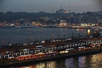 Tyrkia bøtelegger Twitter, Facebook og Instagram for å ha brutt ny lov
