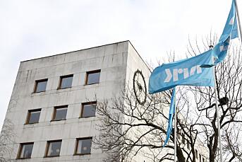 Oppsagte lisenskontrollører saksøker NRK: Krever feriepenger og pensjon