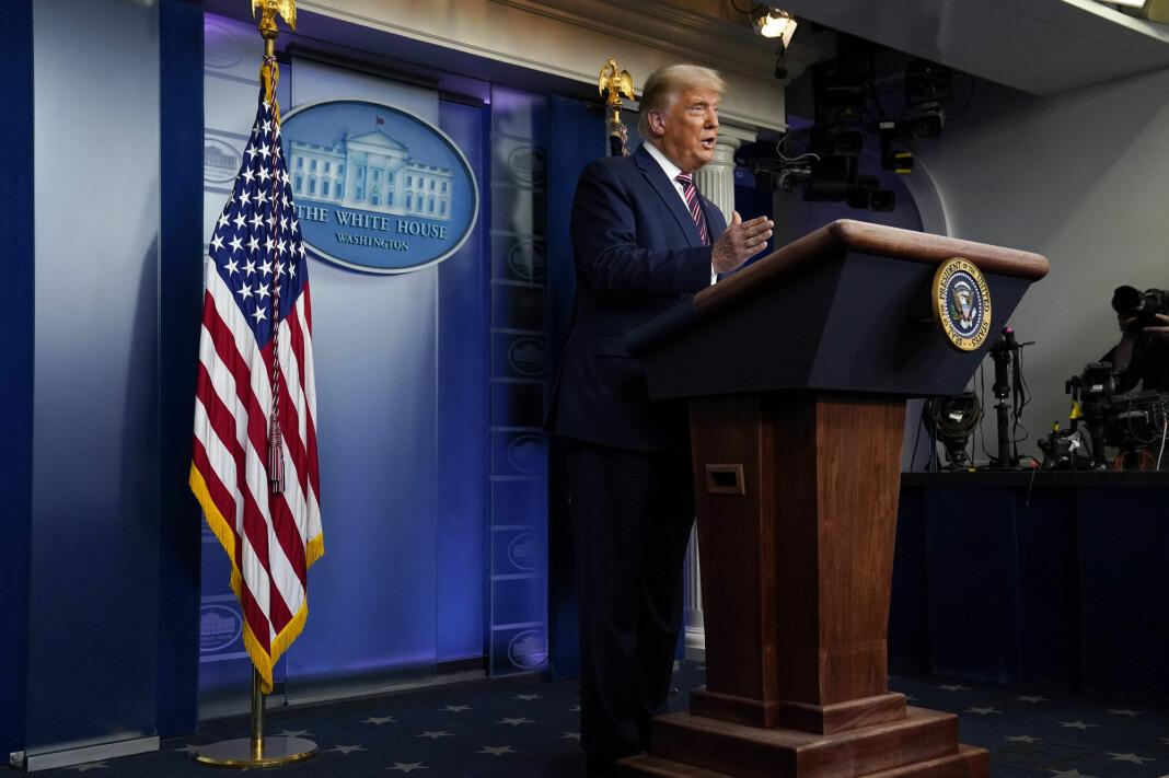 President Donald Trump under talen som ble kuttet av tre TV-kanaler.