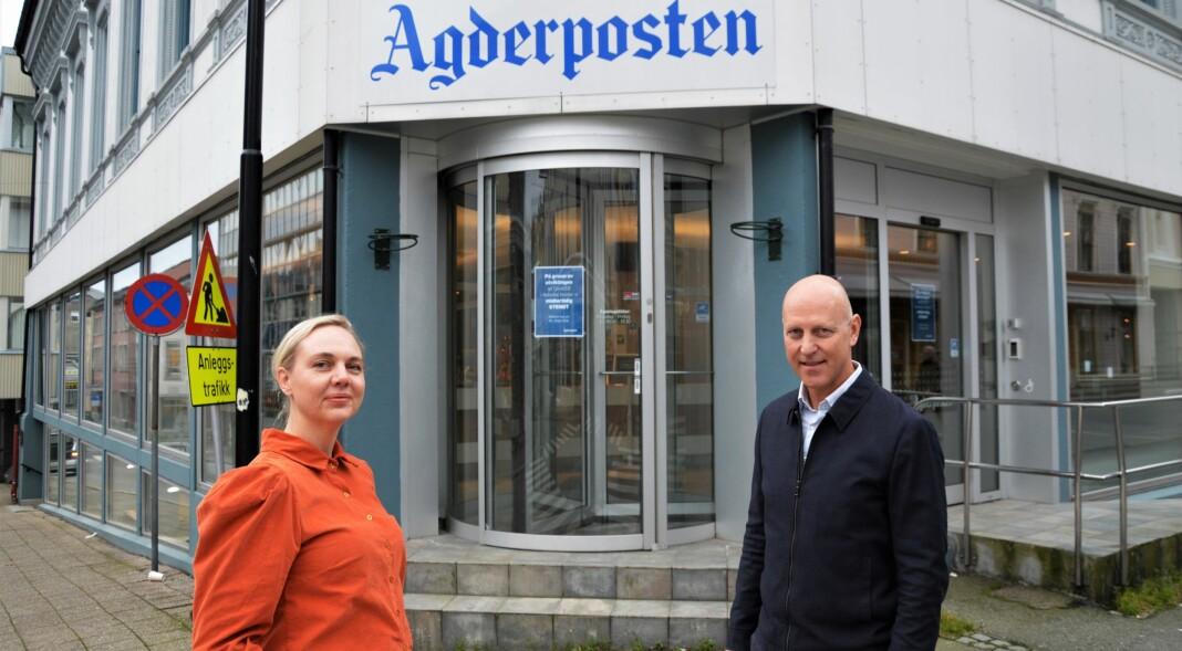 Sjefredaktør Katrine Lia i Agderposten sammen med sin forgjenger Øyvind Klausen, som var redaktør på publiseringstidspunktet.