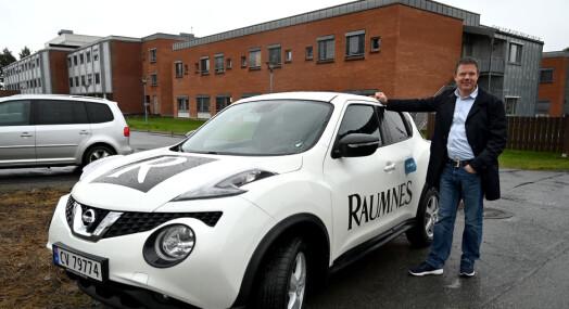 Må selge reportasjebilene for å redde økonomien