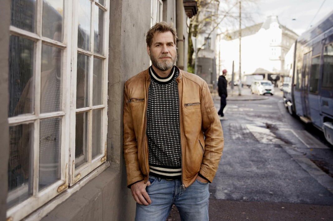 Etter et kort opphold som redaksjonssjef i Khrono, vender David Stenerud tilbake til ABC Nyheter.