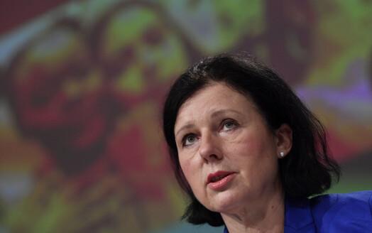 EU skjerper kampen mot desinformasjon for å beskytte demokratiet