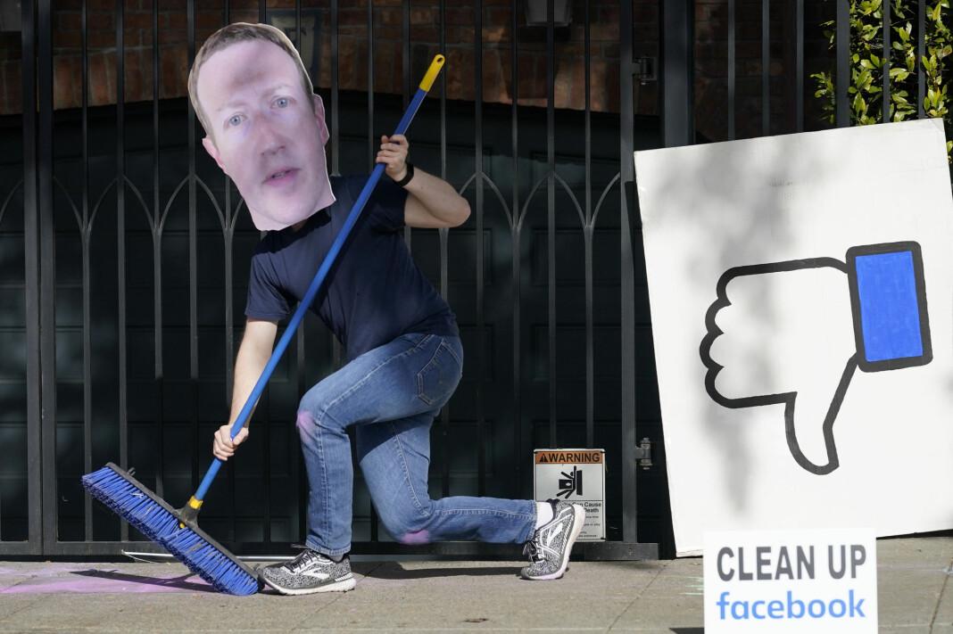 En mann utkledd som Facebook-topp Mark Zuckerberg i en demonstrasjon mot at Facebook brukes i spredningen av feilinformasjon.
