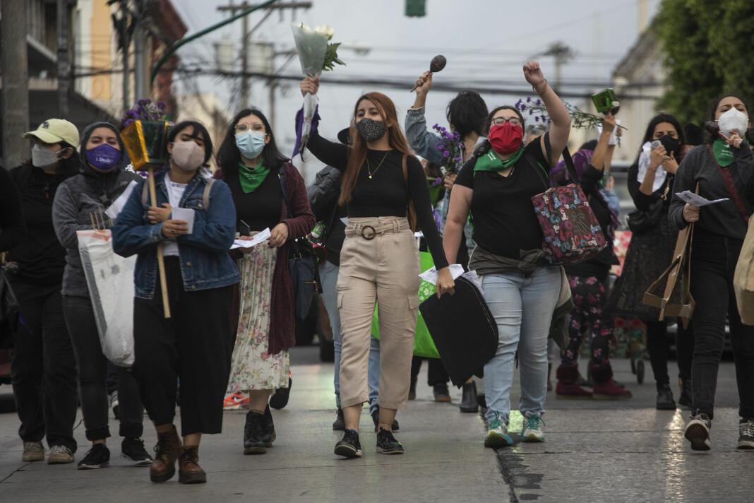 Den humanitære situasjonen i Guatemala er en av verdens mest underrapporterte, ifølge Care. Her fra en kvinnemarsj i Guatemala by like før jul. Kvinnene protesterte mot myndighetenes håndtering av en rekke drap på kvinner og forsvinninger den siste tiden.